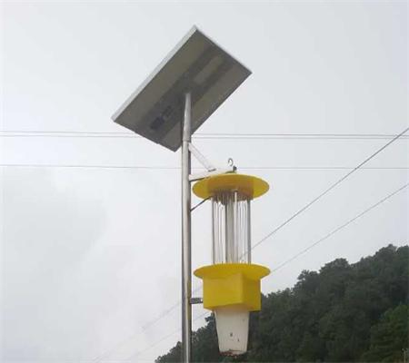 新疆棉田用太阳能杀虫灯灭虫 降低农药使用保护
